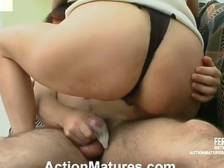 Masturbating older getting her hawt box serviced by a horny next-door guy