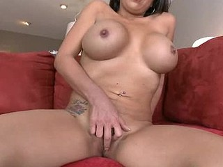 Luxurious beauty is getting her flavourful twat banged so well